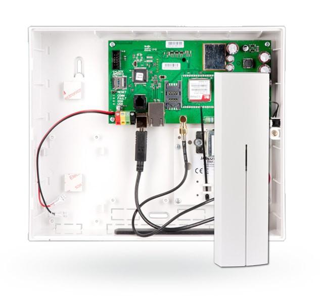 Centrala alarmowa z wbudowanym komunikatorem GSM/GPRS i LAN